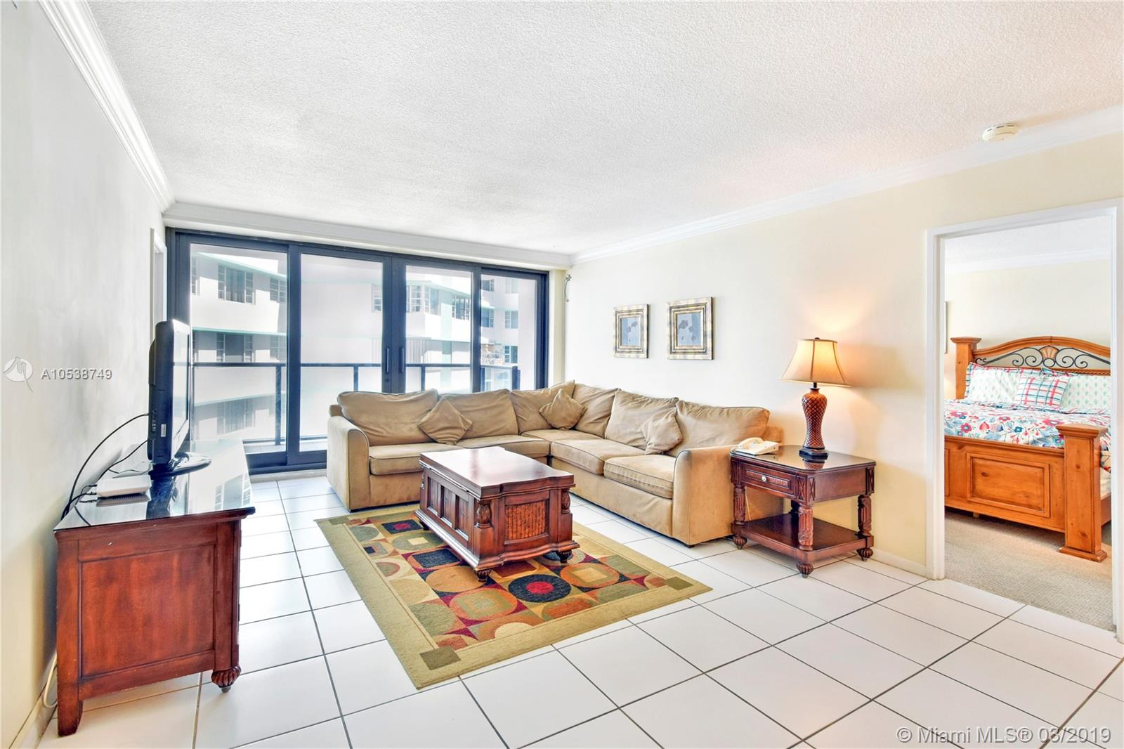 5225 Collins Ave #1416 photo05