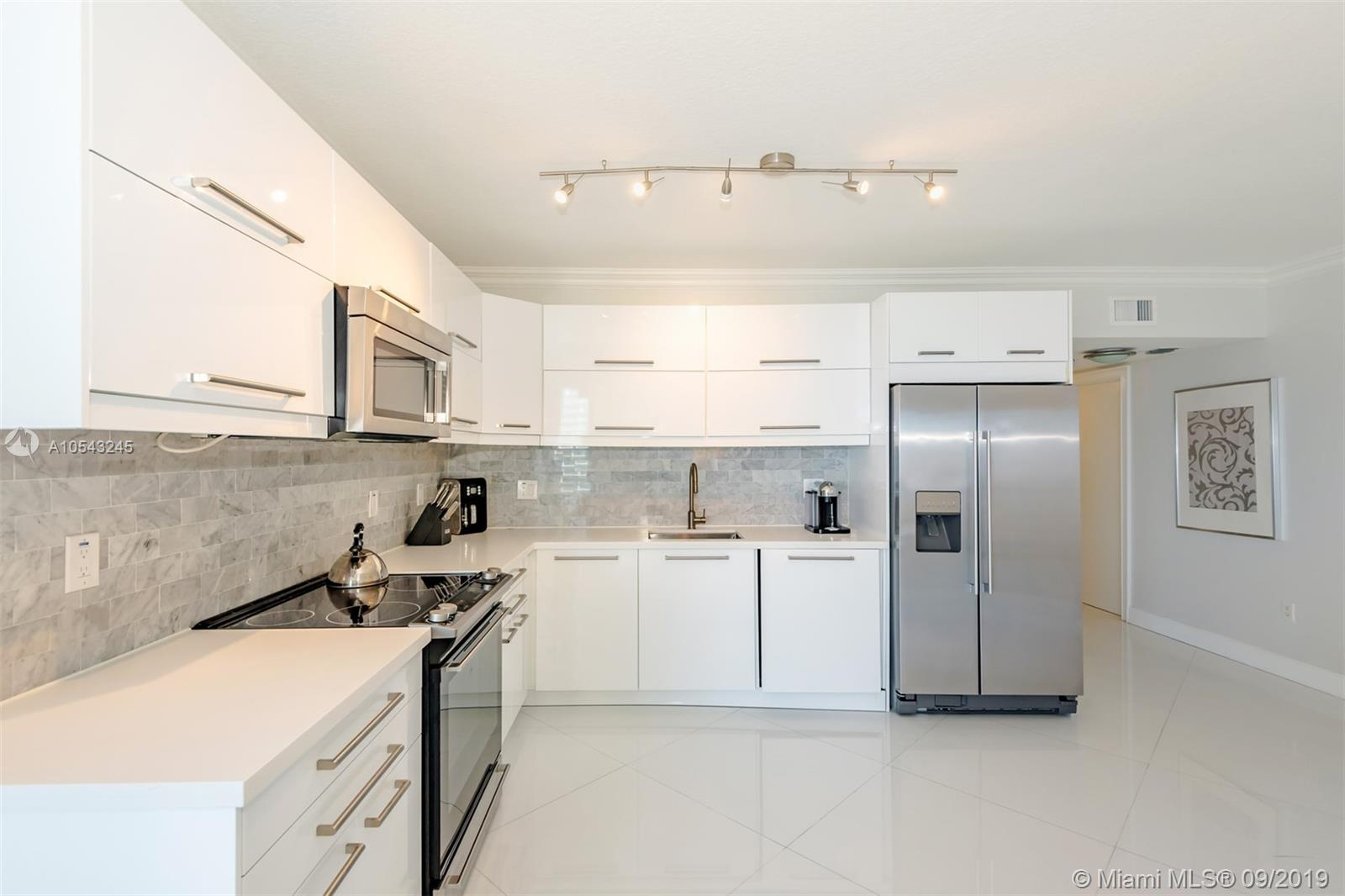 16699 Collins Ave #3505 photo03