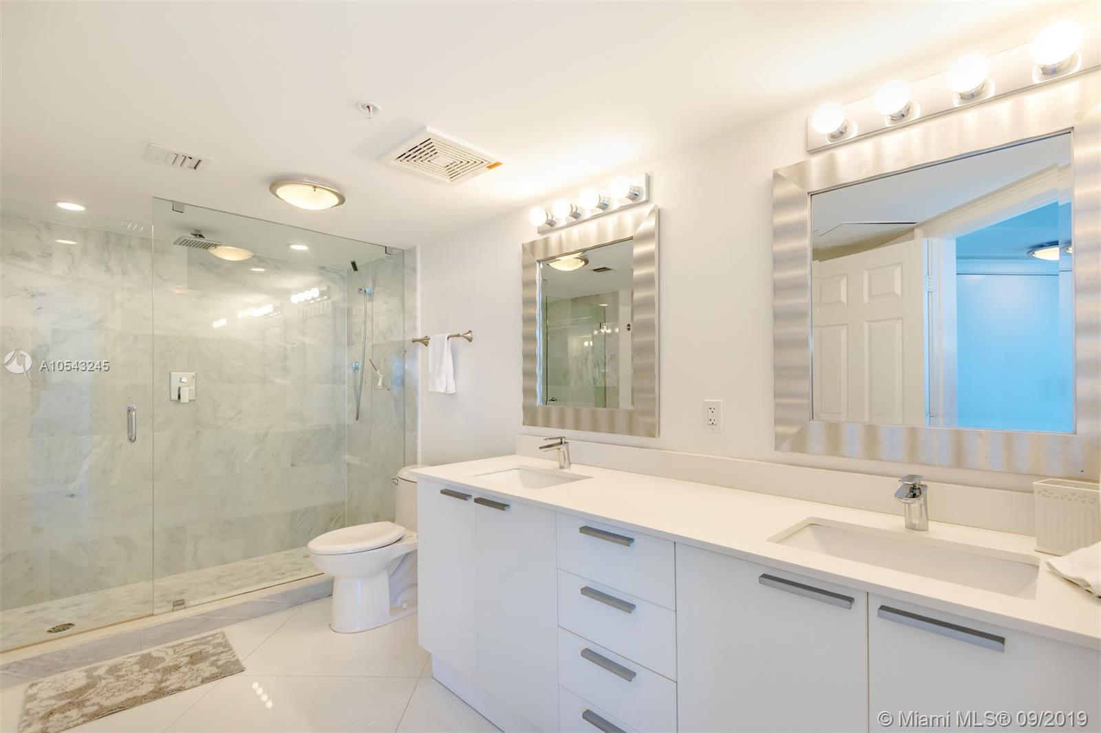 16699 Collins Ave #3505 photo05