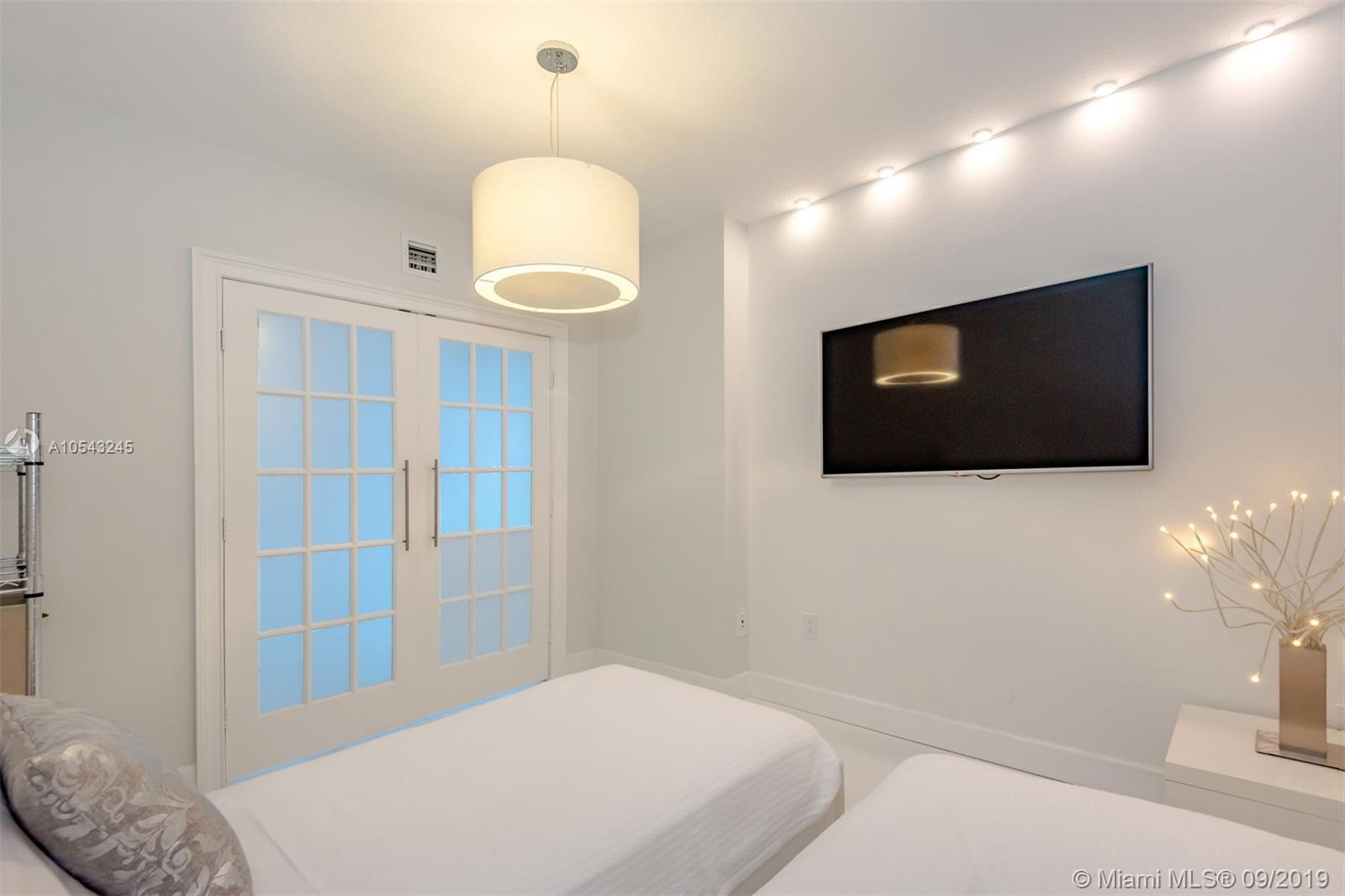 16699 Collins Ave #3505 photo06
