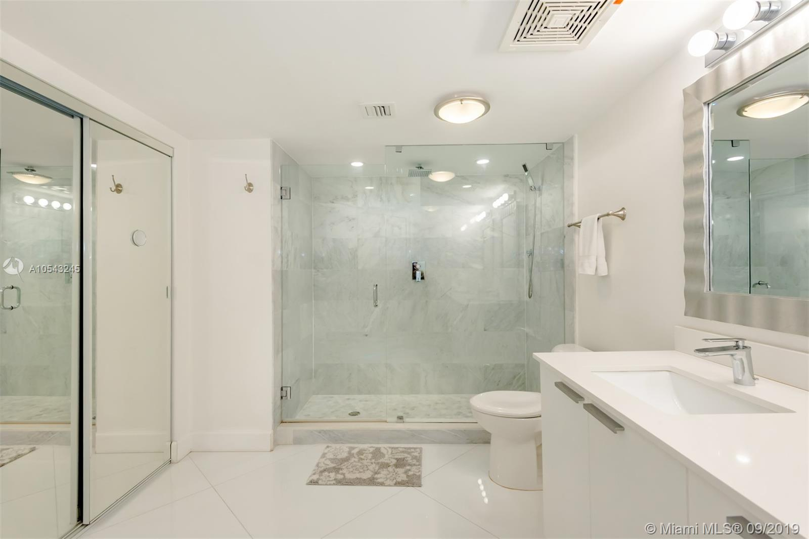16699 Collins Ave #3505 photo07
