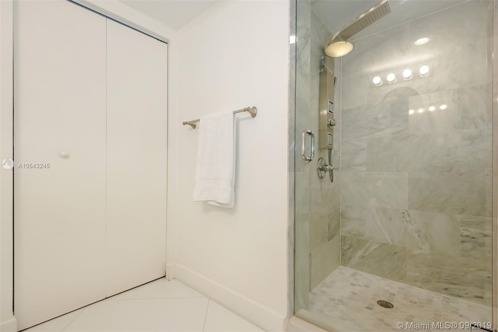 16699 Collins Ave #3505 photo08