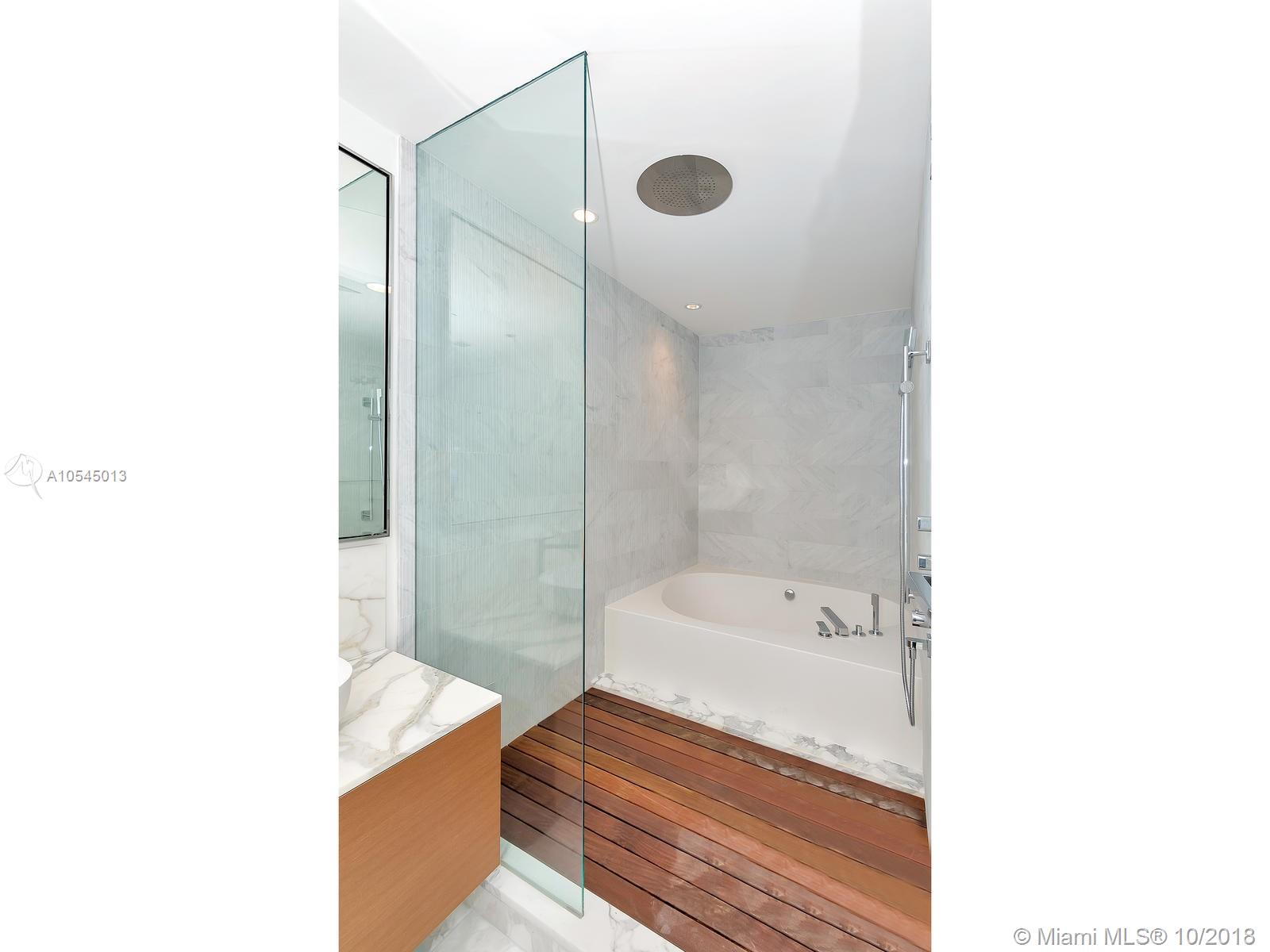 10201 Collins Ave #1507 photo022