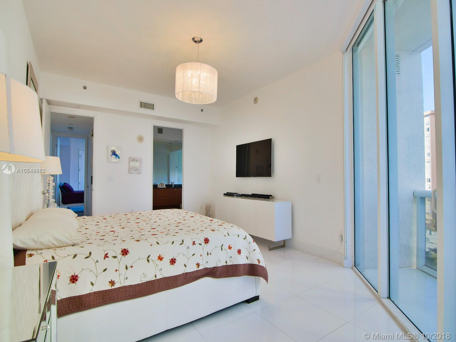 Property 15811 Collins Ave #1206 image 1