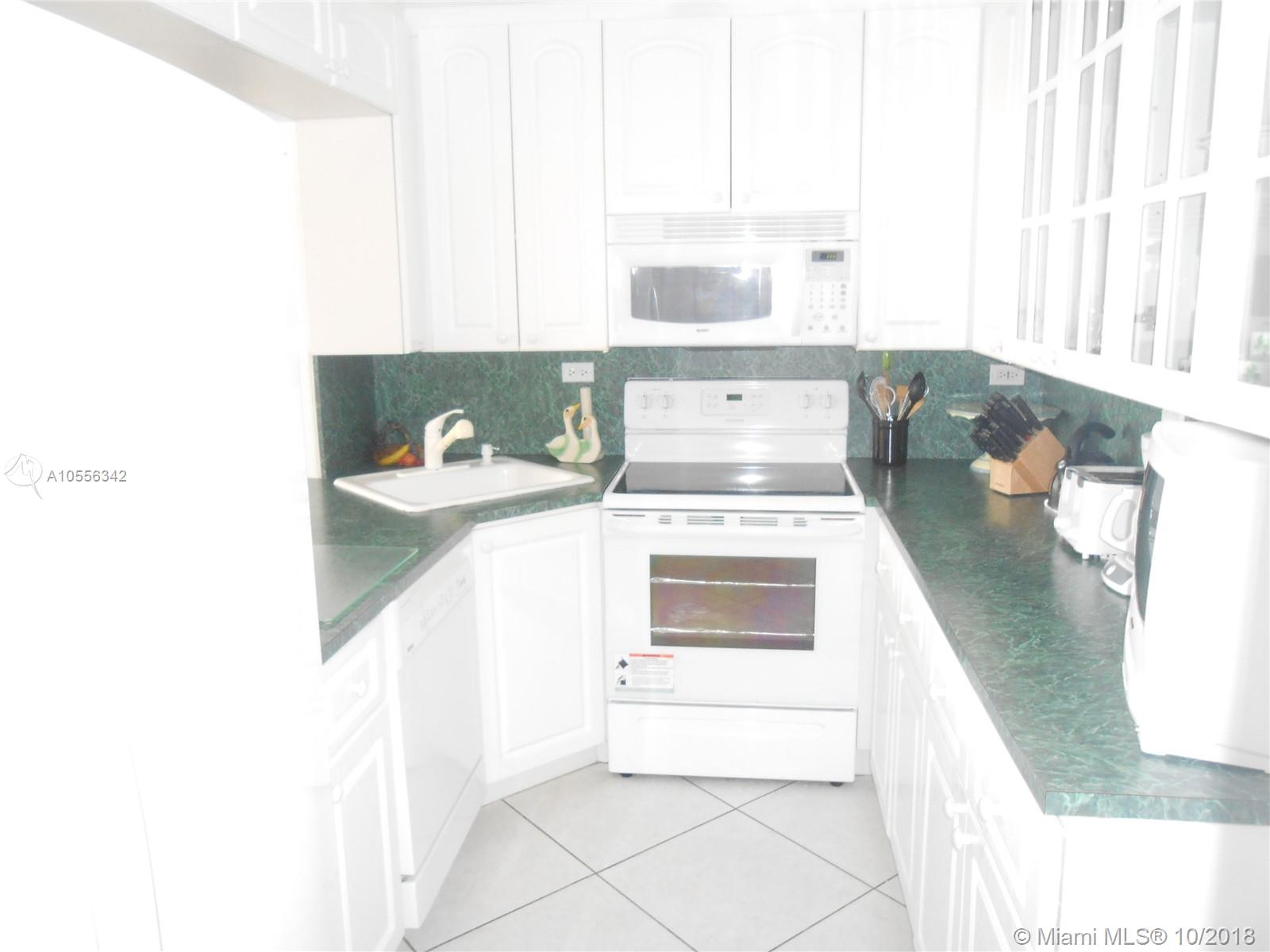 5601 Collins Ave #919 photo01
