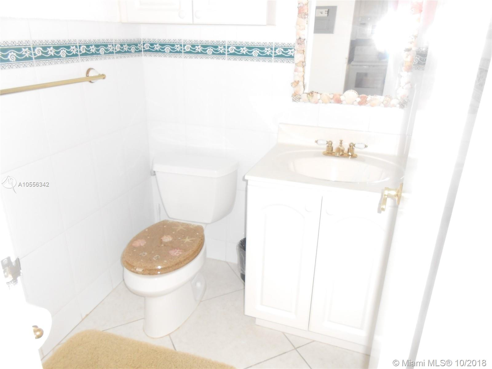 5601 Collins Ave #919 photo07