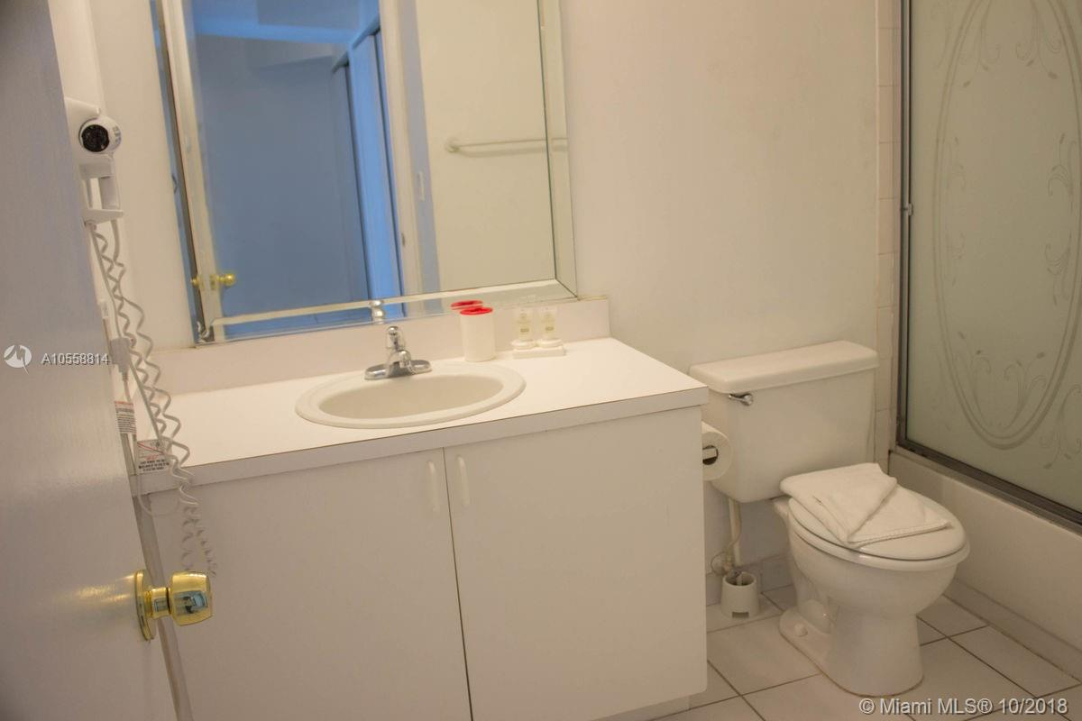 Property 5445 Collins Ave #BAY5 image 4
