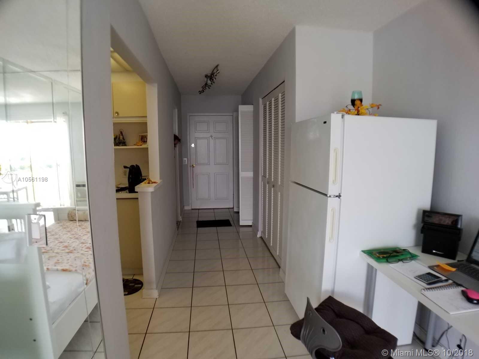 Property 7904 West Dr #409 image 5