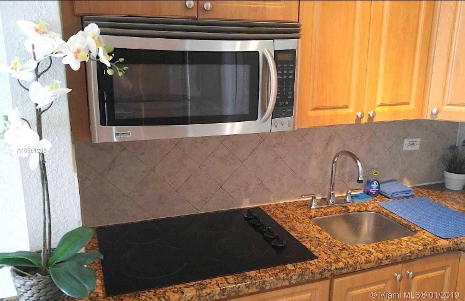 Property 7904 West Dr #1003 image 5