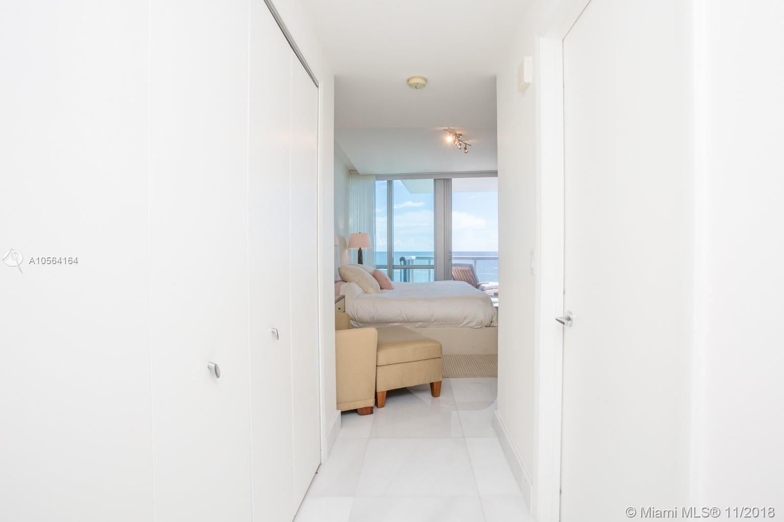 17121 COLLINS AVE #807 photo015