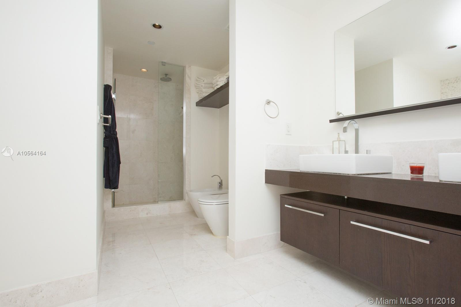 17121 COLLINS AVE #807 photo017