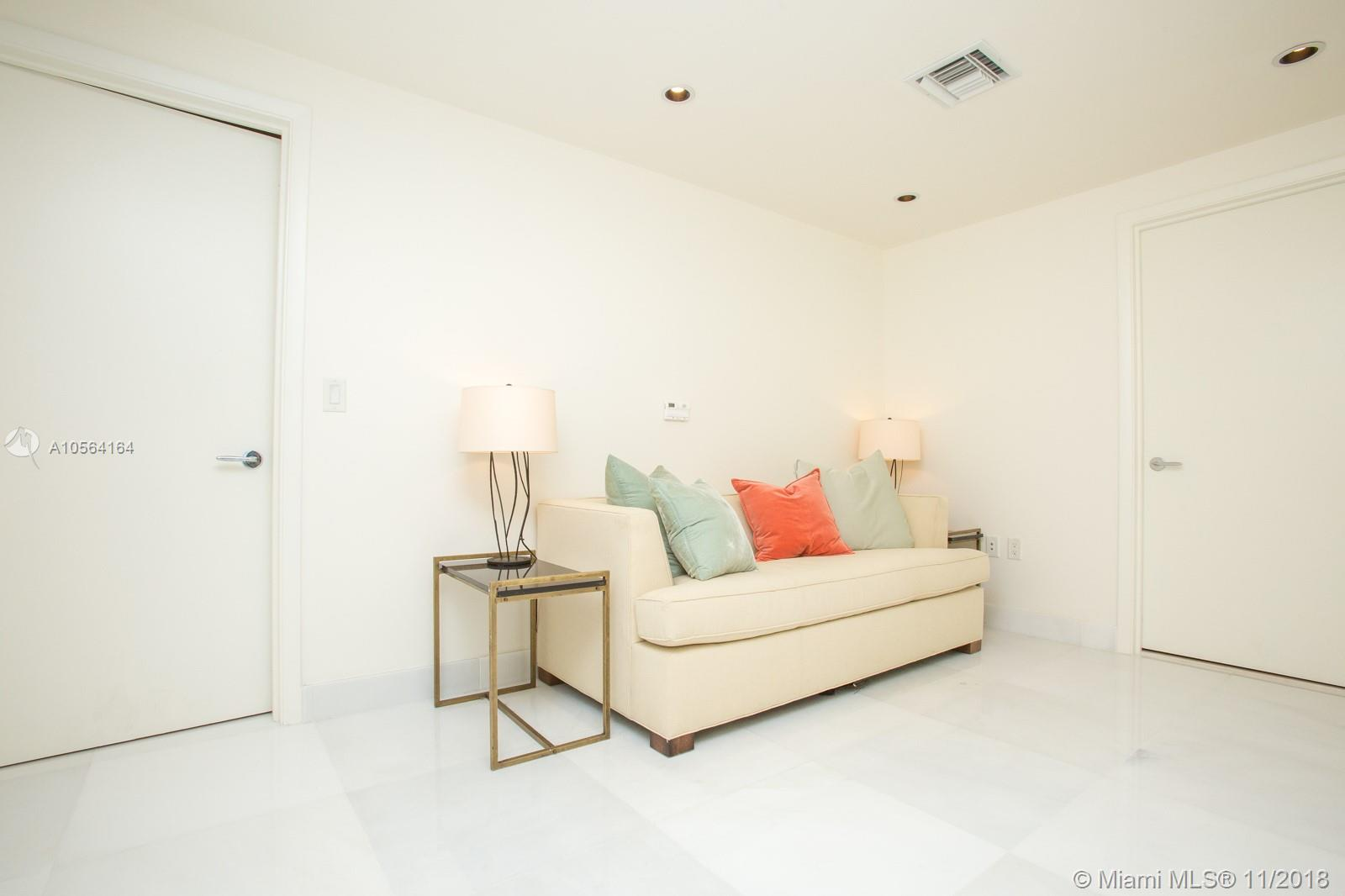 17121 COLLINS AVE #807 photo022