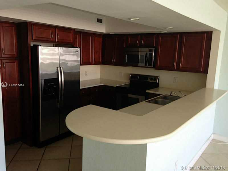 5600 Collins Ave #17E photo04