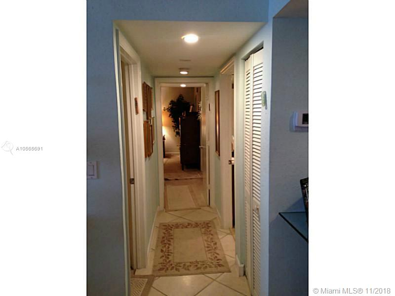 5600 Collins Ave #17E photo07