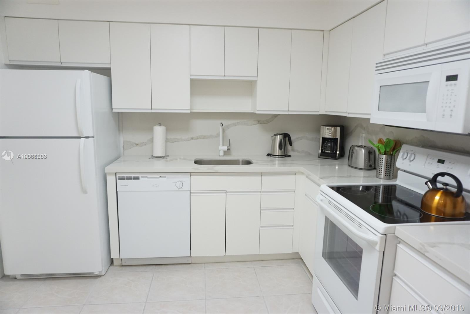 5161 Collins Ave #410 photo06