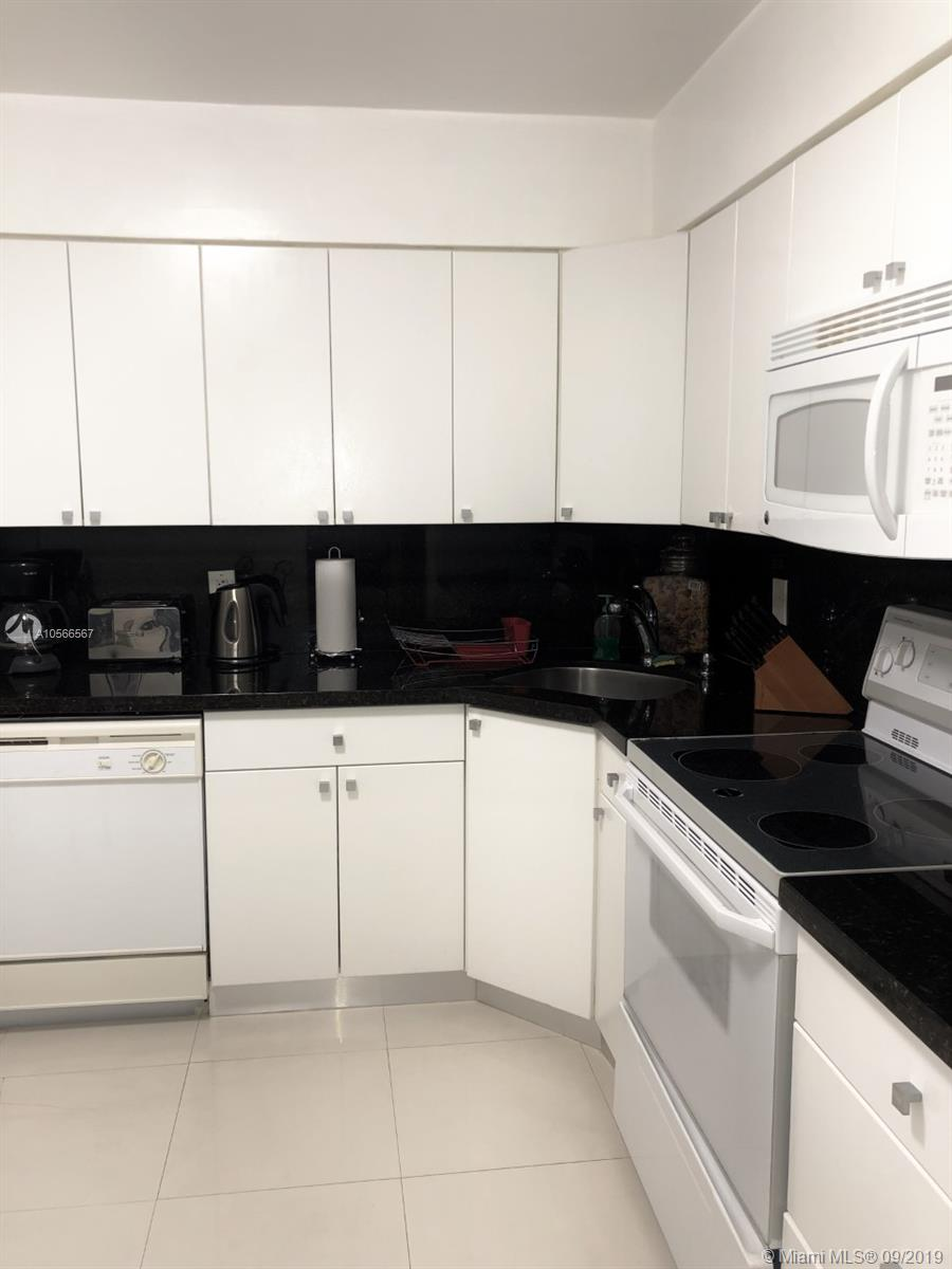 5161 Collins Ave #910 photo08