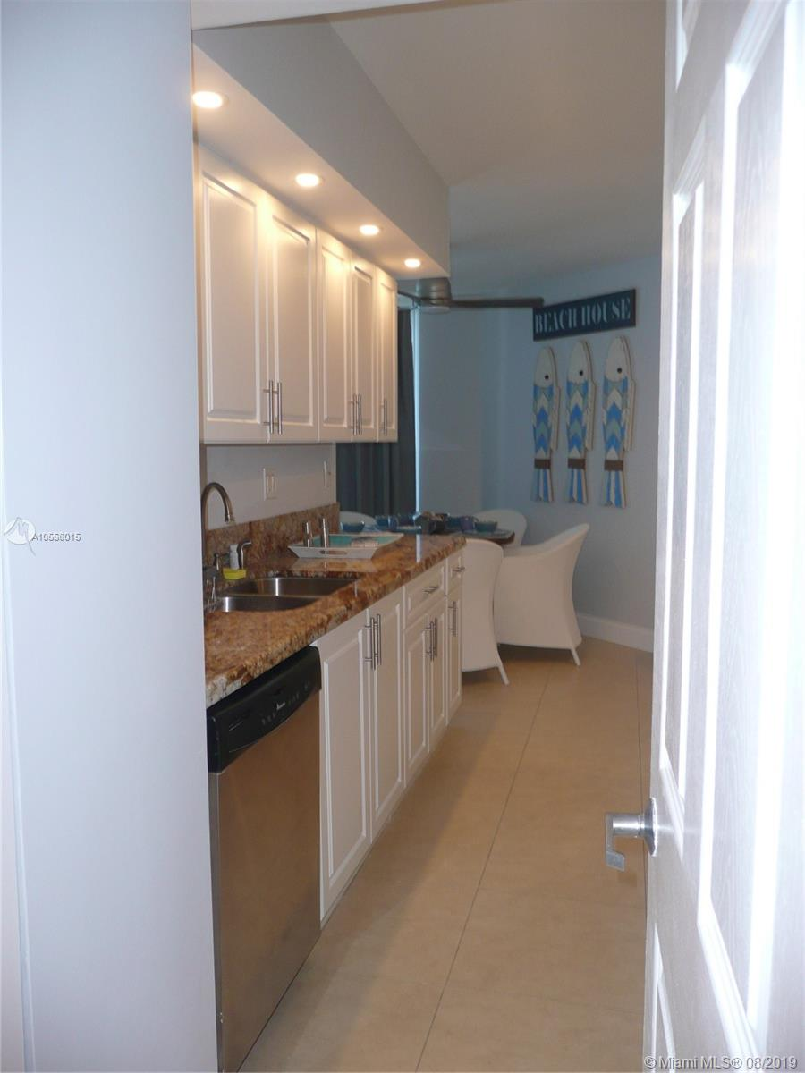 16485 Collins Ave #2332 photo019