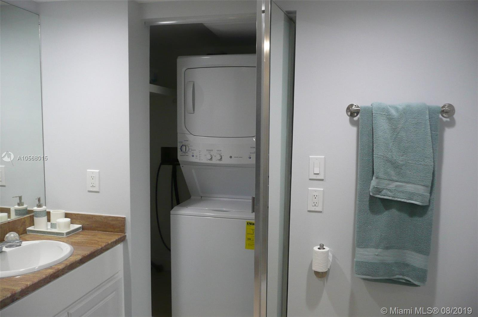 16485 Collins Ave #2332 photo032