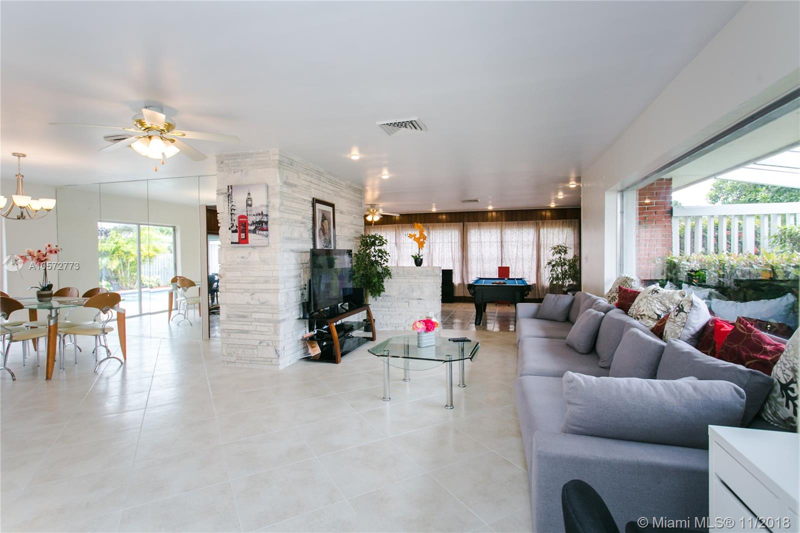 1131 Washington St, Hollywood, Florida 33019, 4 Bedrooms Bedrooms, ,3 BathroomsBathrooms,Residential Lease,For Rent,1131 Washington St,A10572773