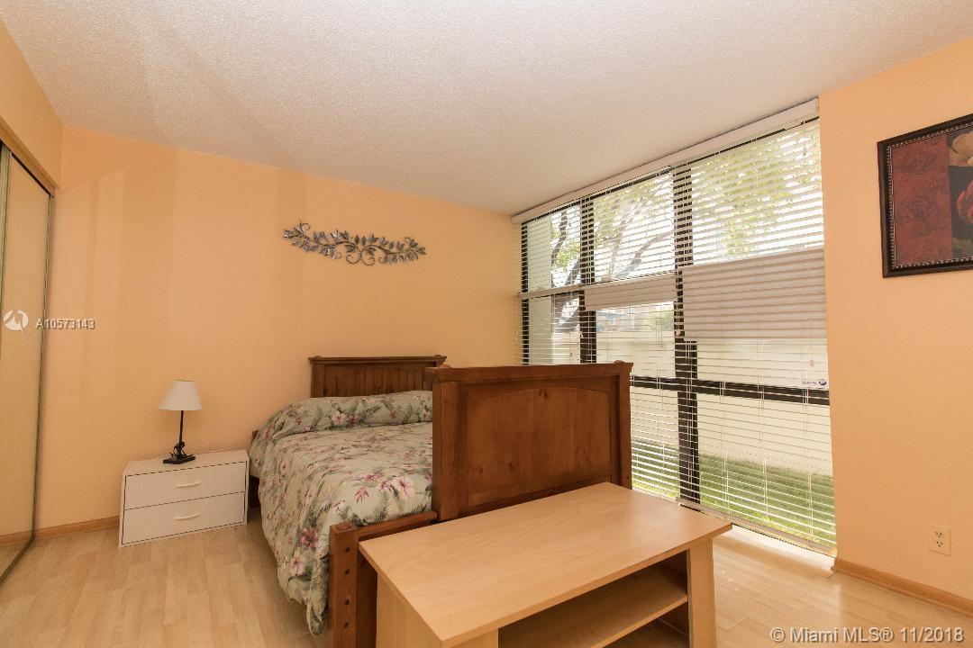 16909 N BAY ROAD #121 photo011