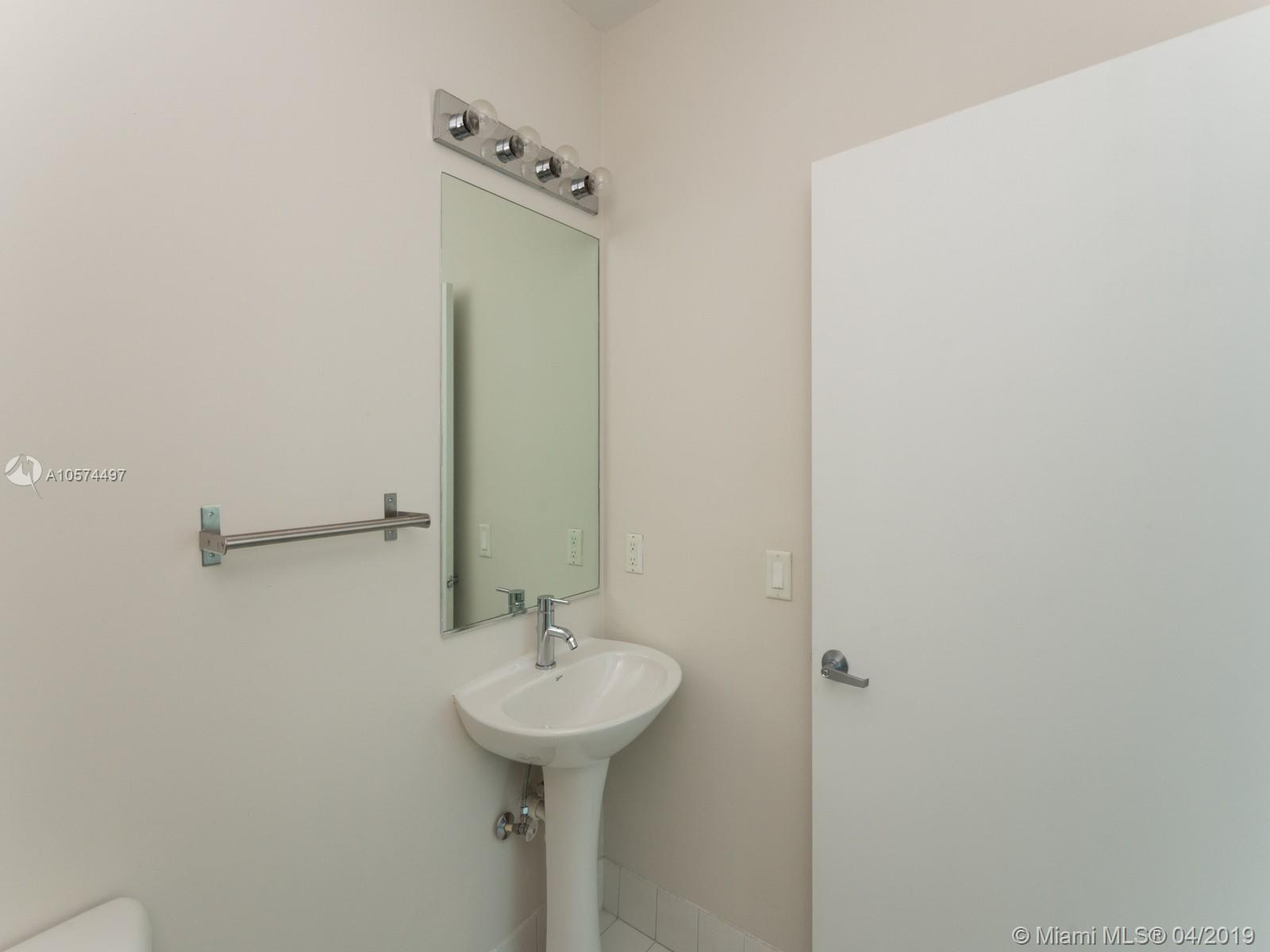 888 Biscayne Blvd #4810 photo010