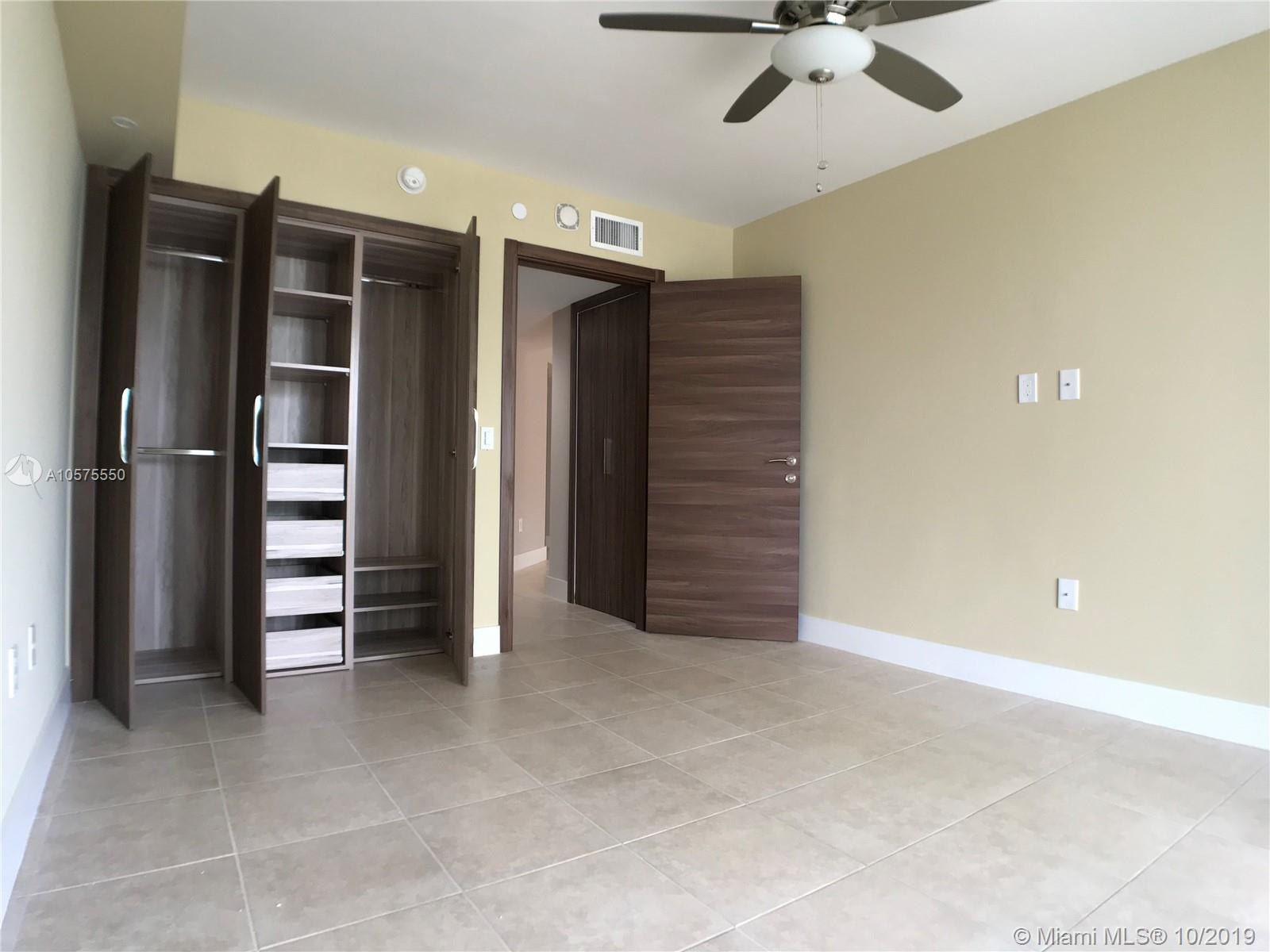 16711 Collins Ave #604 photo022