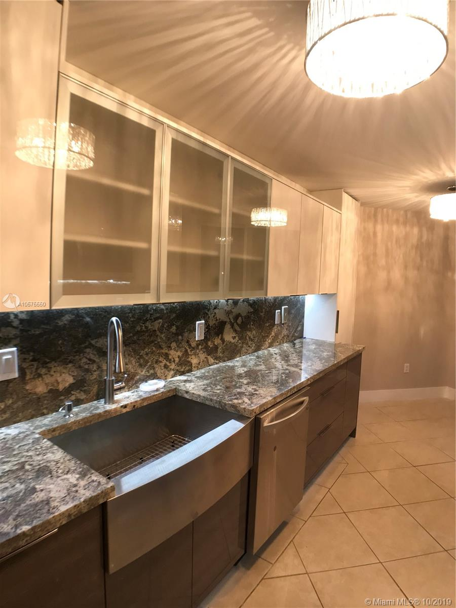 16711 Collins Ave #604 photo04