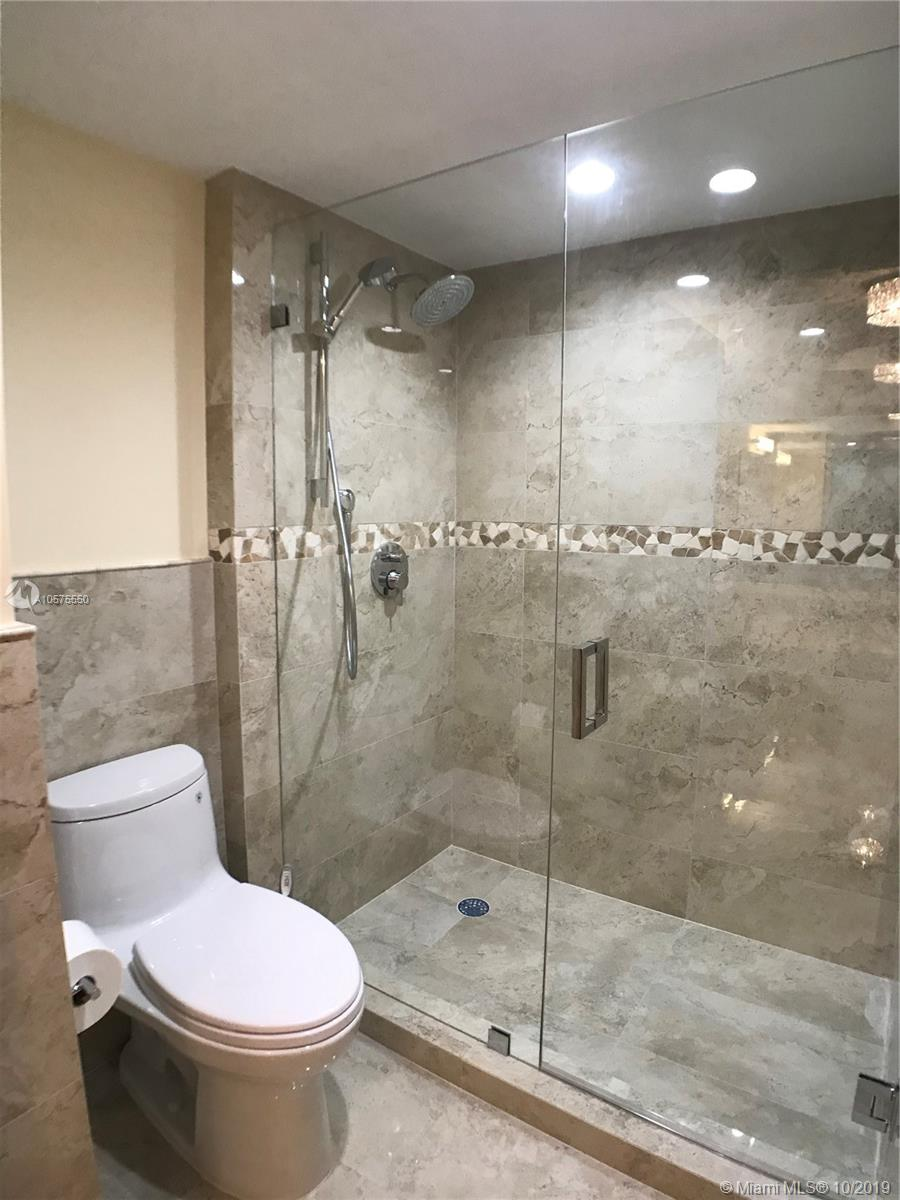 16711 Collins Ave #604 photo06