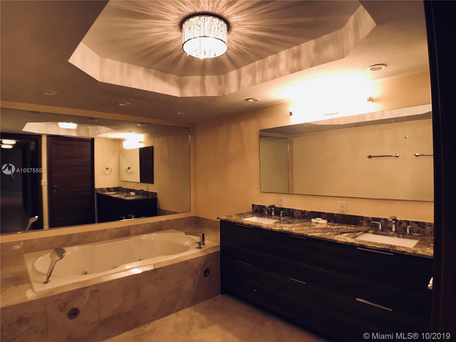16711 Collins Ave #604 photo07
