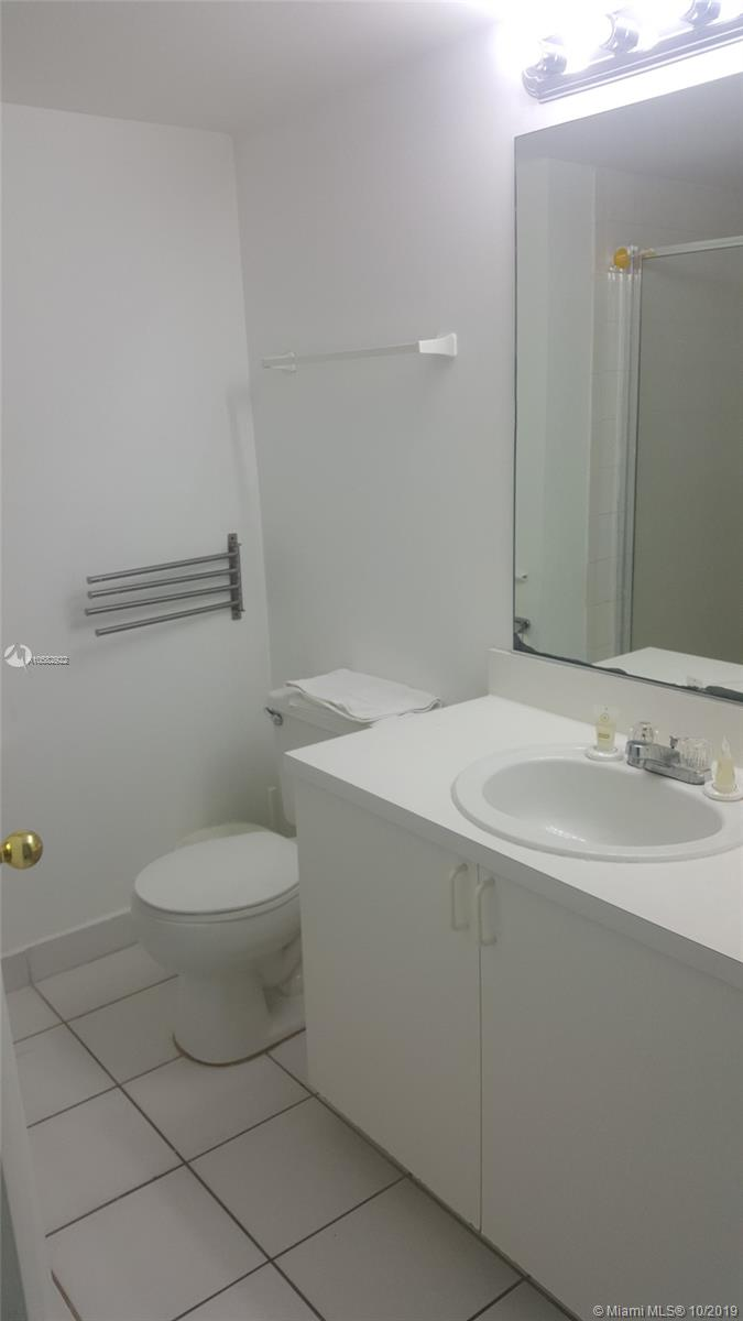 Property 5445 Collins Ave #BAY10 image 16