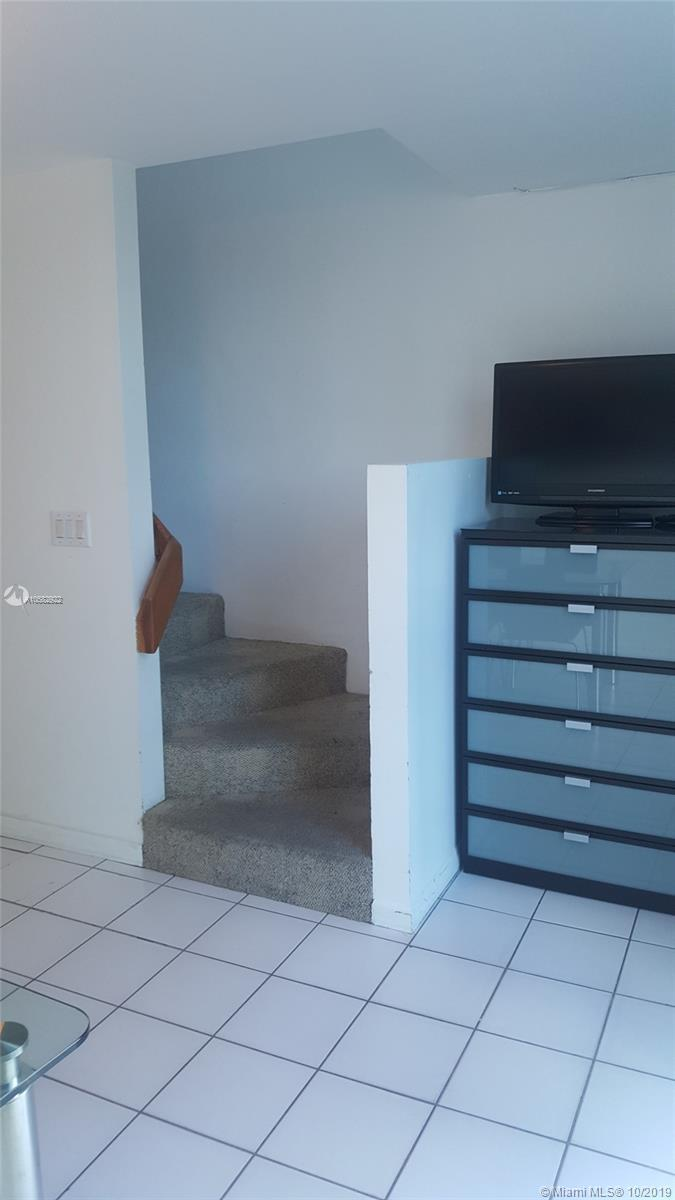 Property 5445 Collins Ave #BAY10 image 17