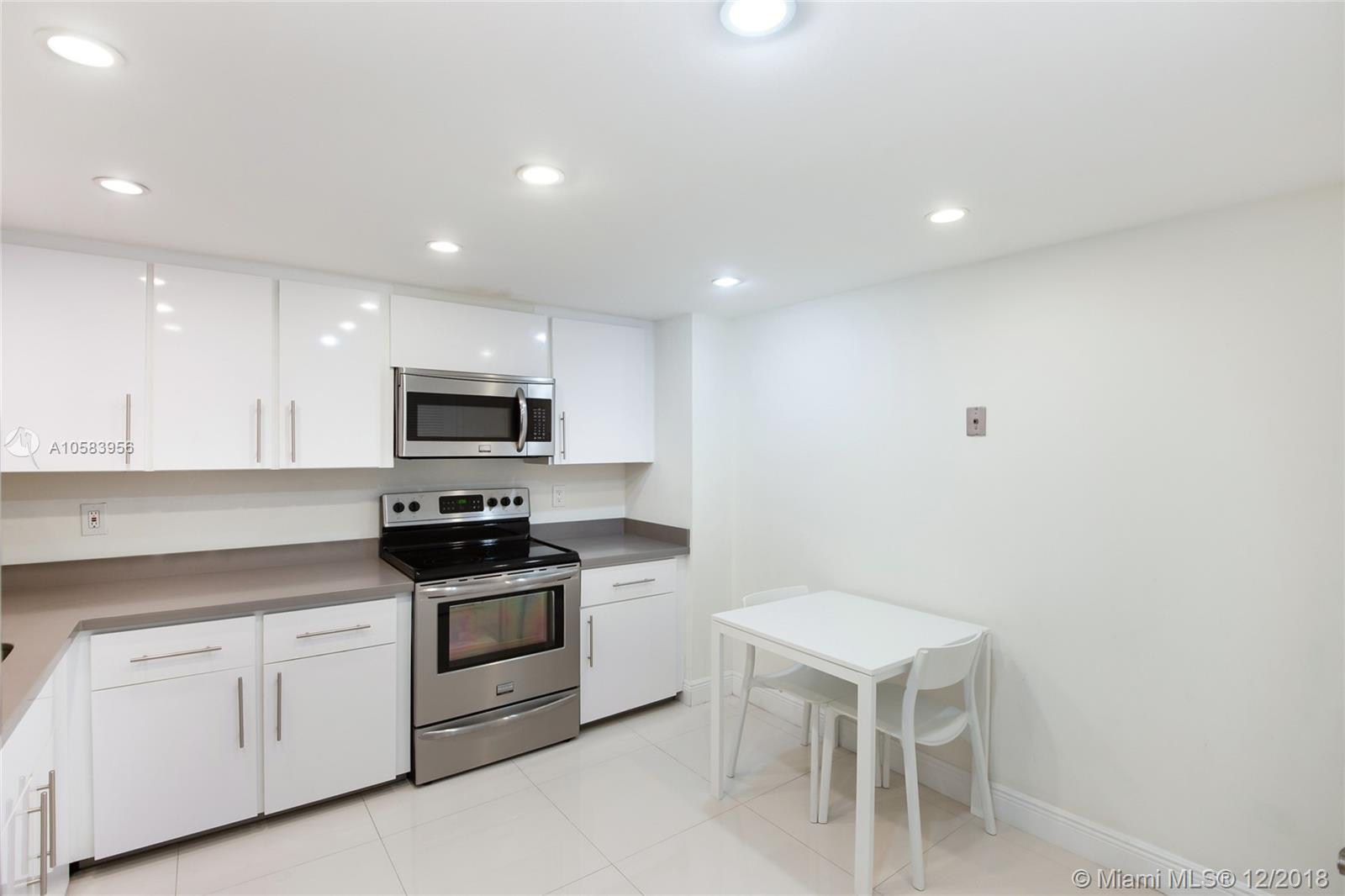 9801 Collins Ave #20V Ocean views photo011