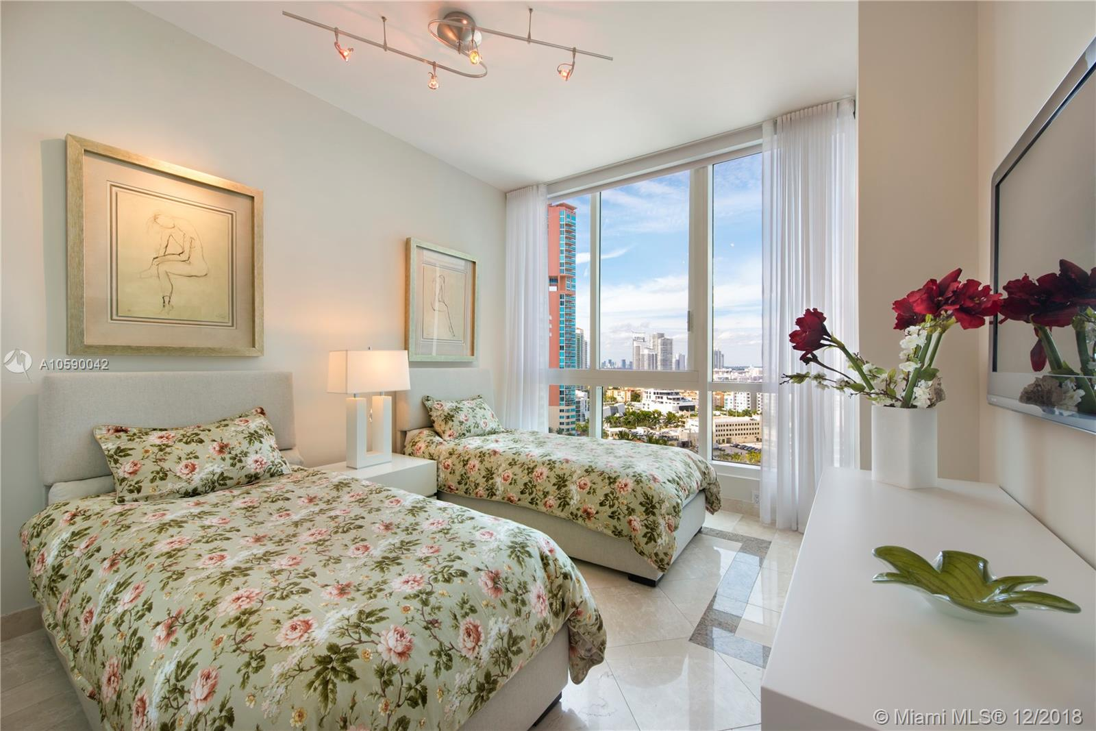 Photo of Continuum South Tower Apt 1601