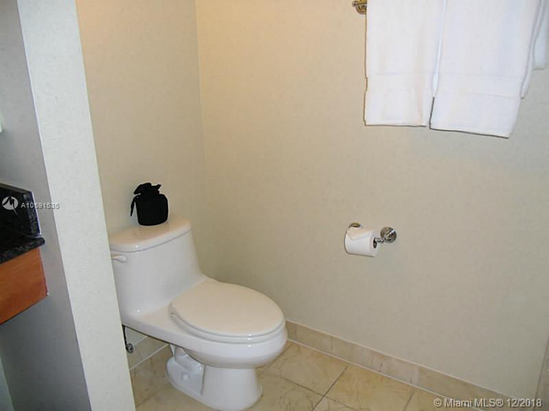 18001 Collins Ave #518 photo08