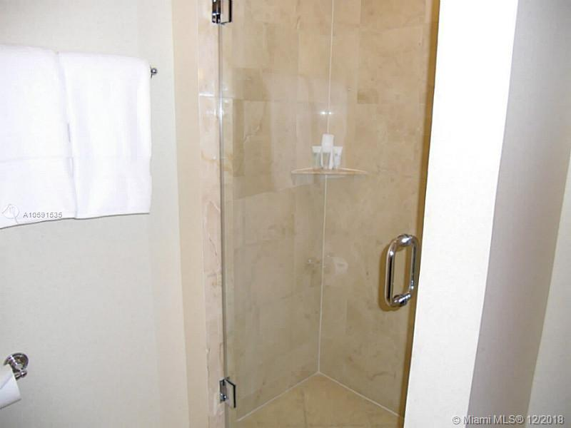 18001 Collins Ave #518 photo09