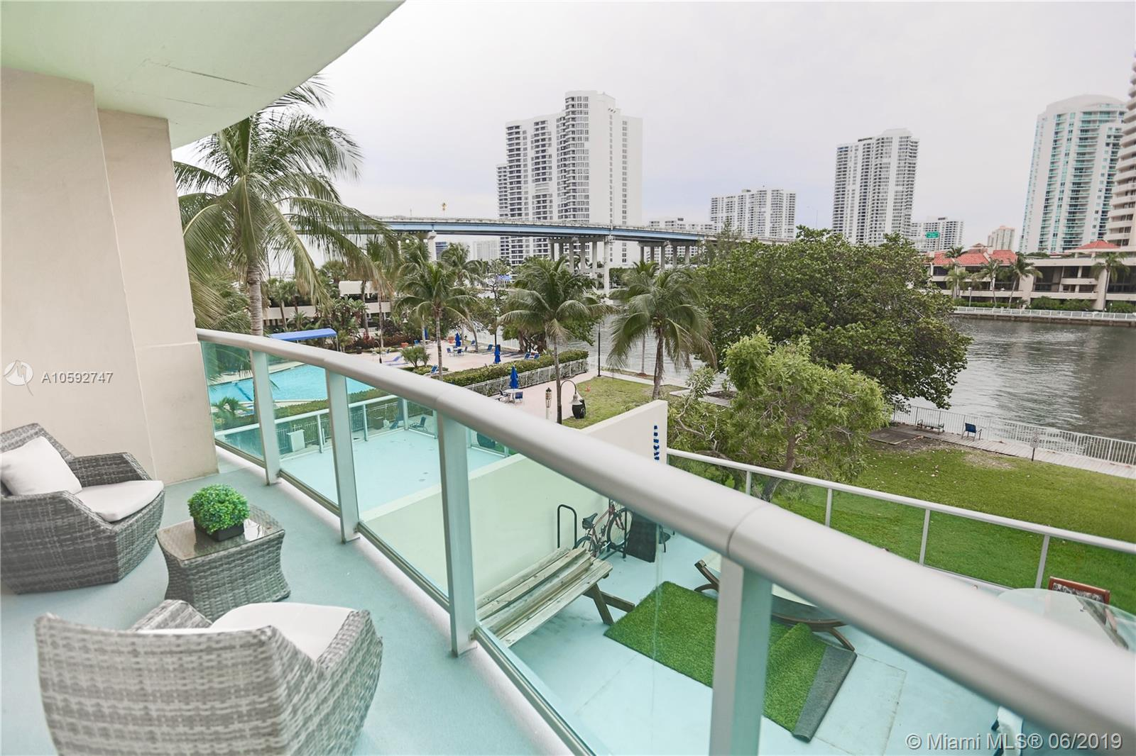 Ocean View A #317 - 19390 Collins Ave #317, Sunny Isles Beach, FL 33160
