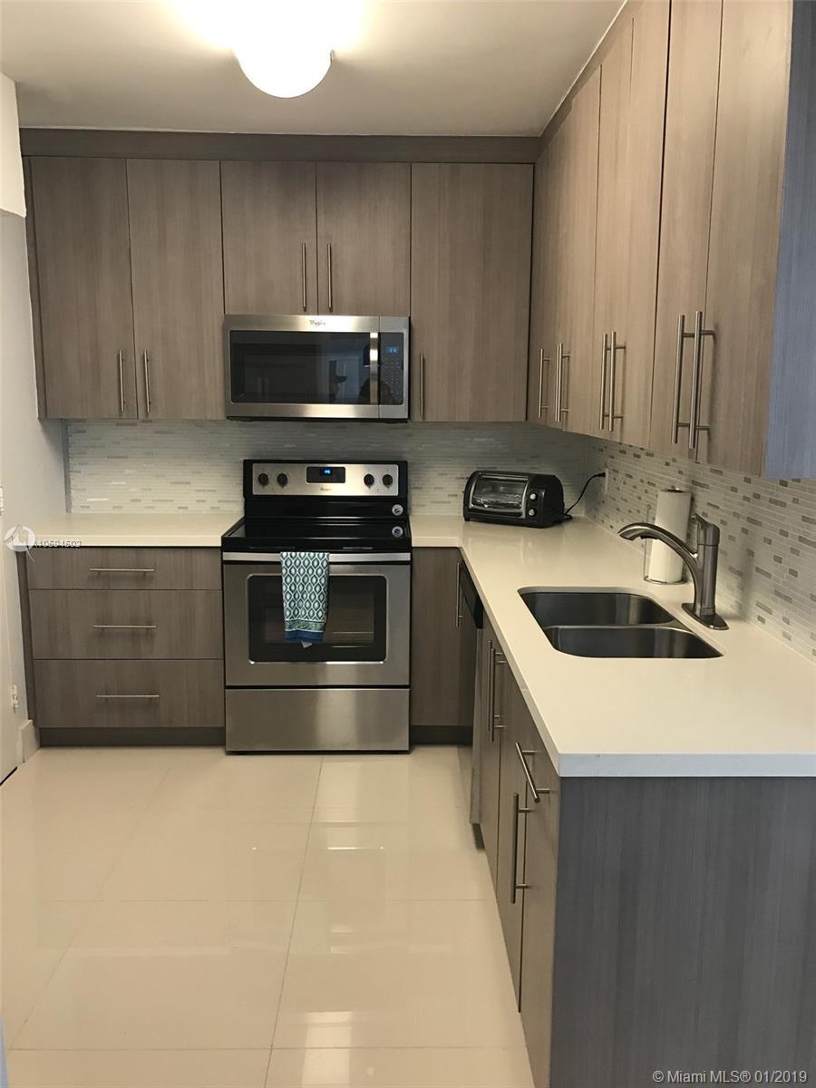 3801 S Ocean Dr # 10V, Hollywood, Florida 33019, 2 Bedrooms Bedrooms, ,2 BathroomsBathrooms,Residential Lease,For Rent,3801 S Ocean Dr # 10V,A10594502