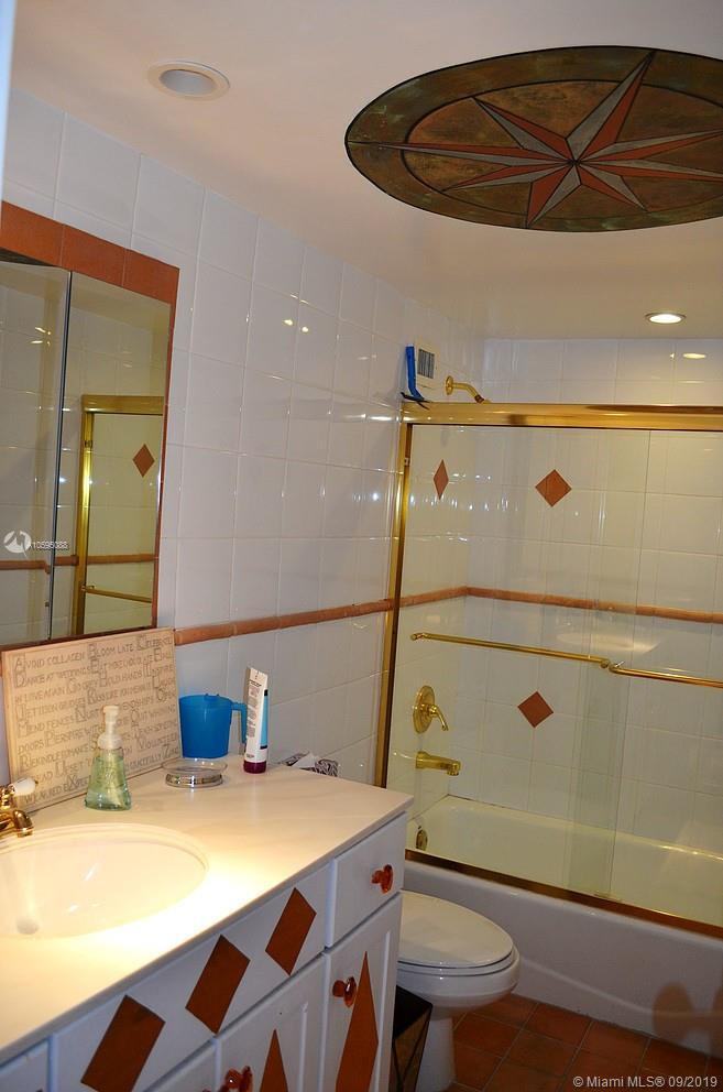5151 Collins Ave #1023-1123 photo026