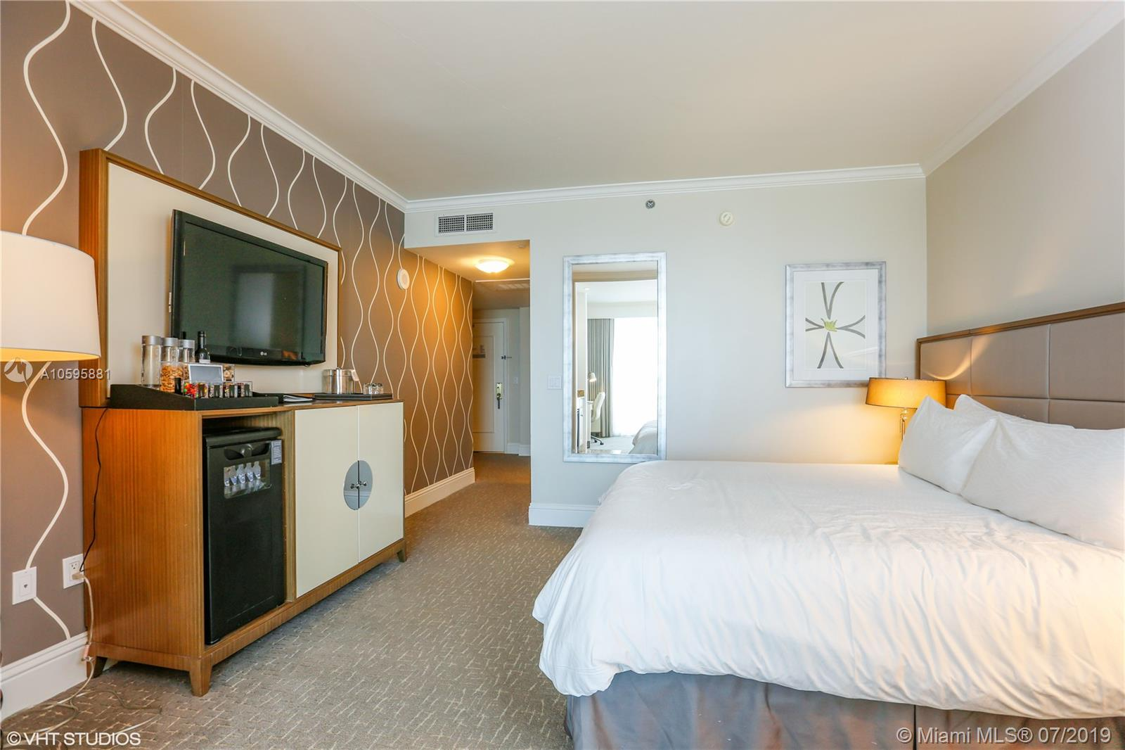 Property 4401 Collins Ave #2610-2612 image 22