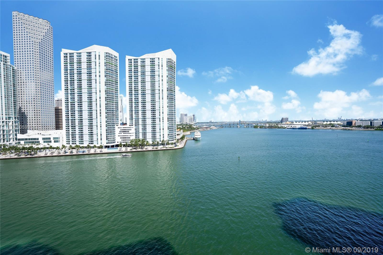 888 Brickell Key #1210 photo02