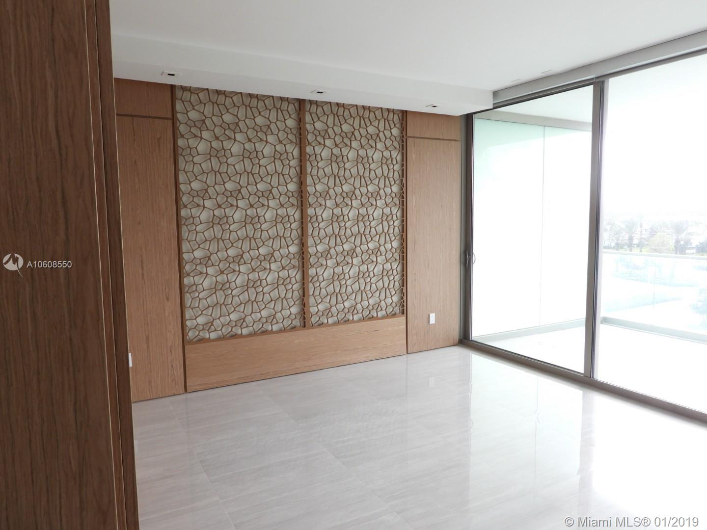 10203 Collins Ave #411 photo012