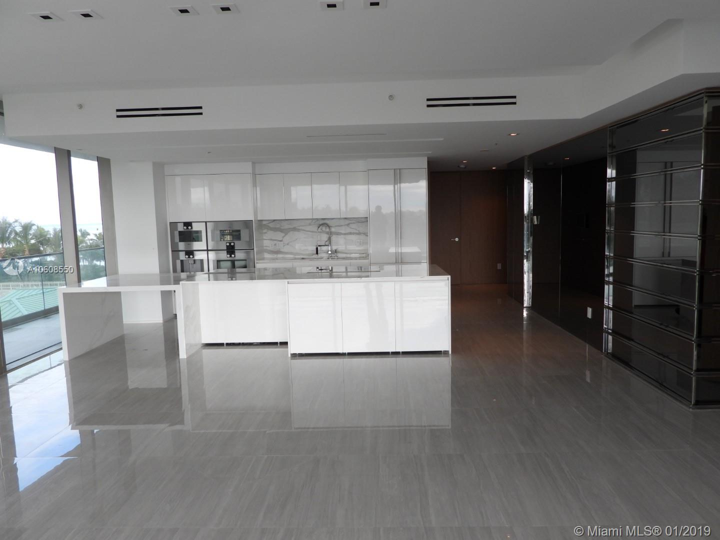 10203 Collins Ave #411 photo05