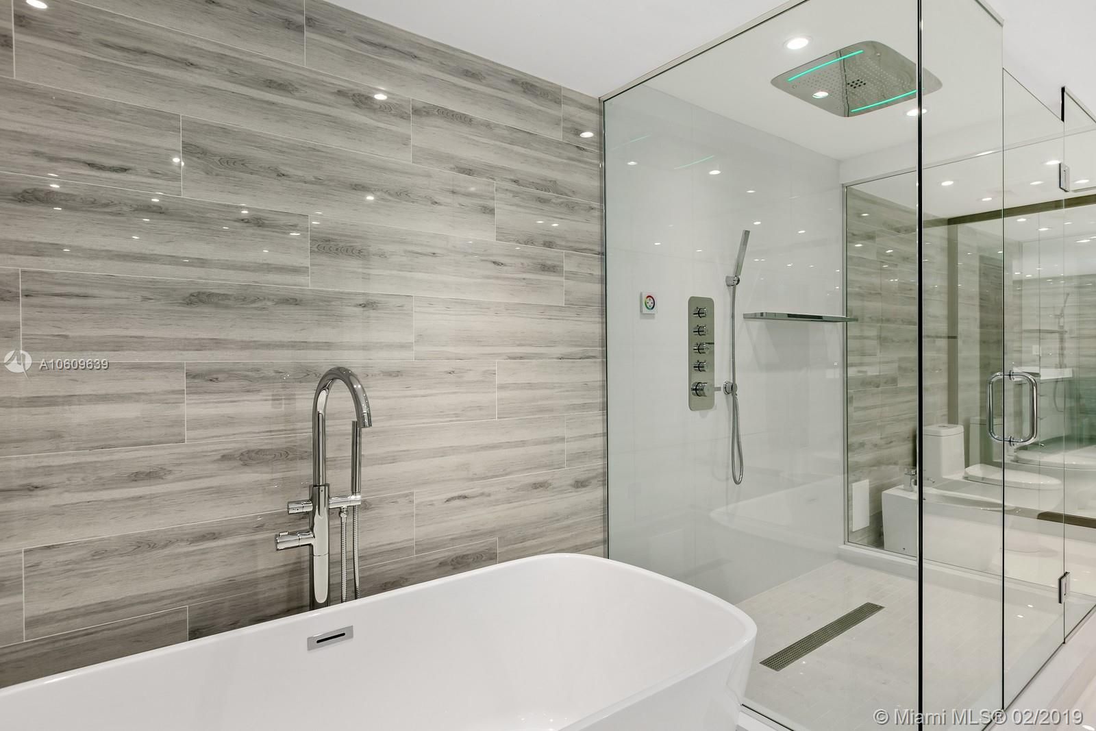 10155 Collins Ave #1608 photo09