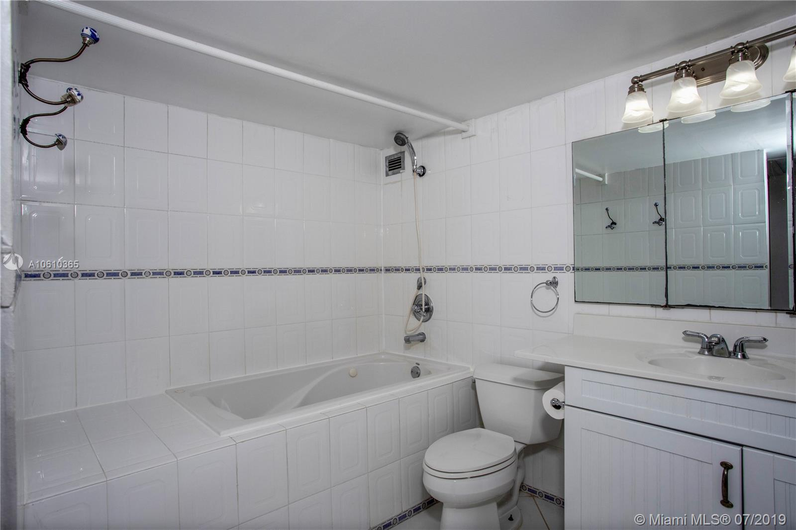 5555 Collins Ave #9Z photo017