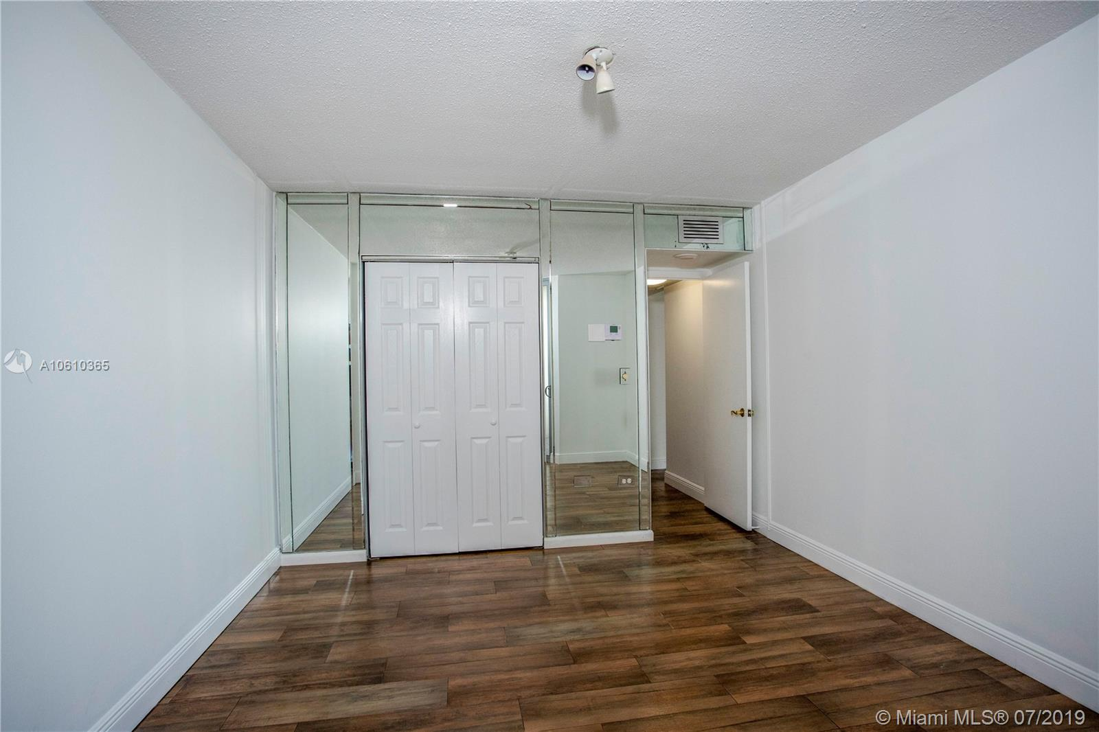 5555 Collins Ave #9Z photo018