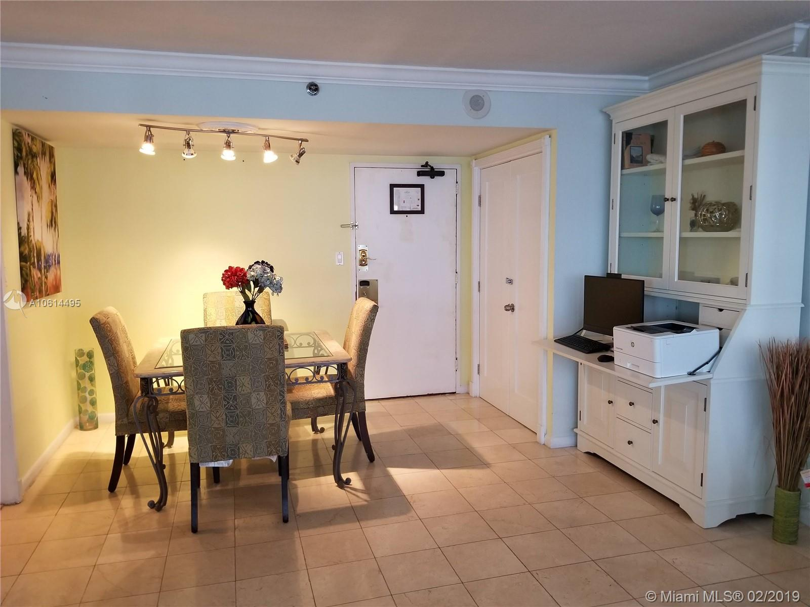 5225 Collins Ave #611 photo02