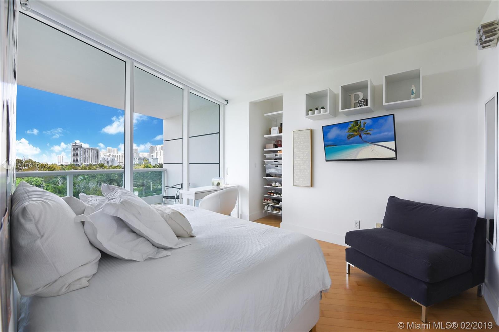 Аренда квартиры по адресу 2127 Brickell Ave, Miami, FL 33129 в США