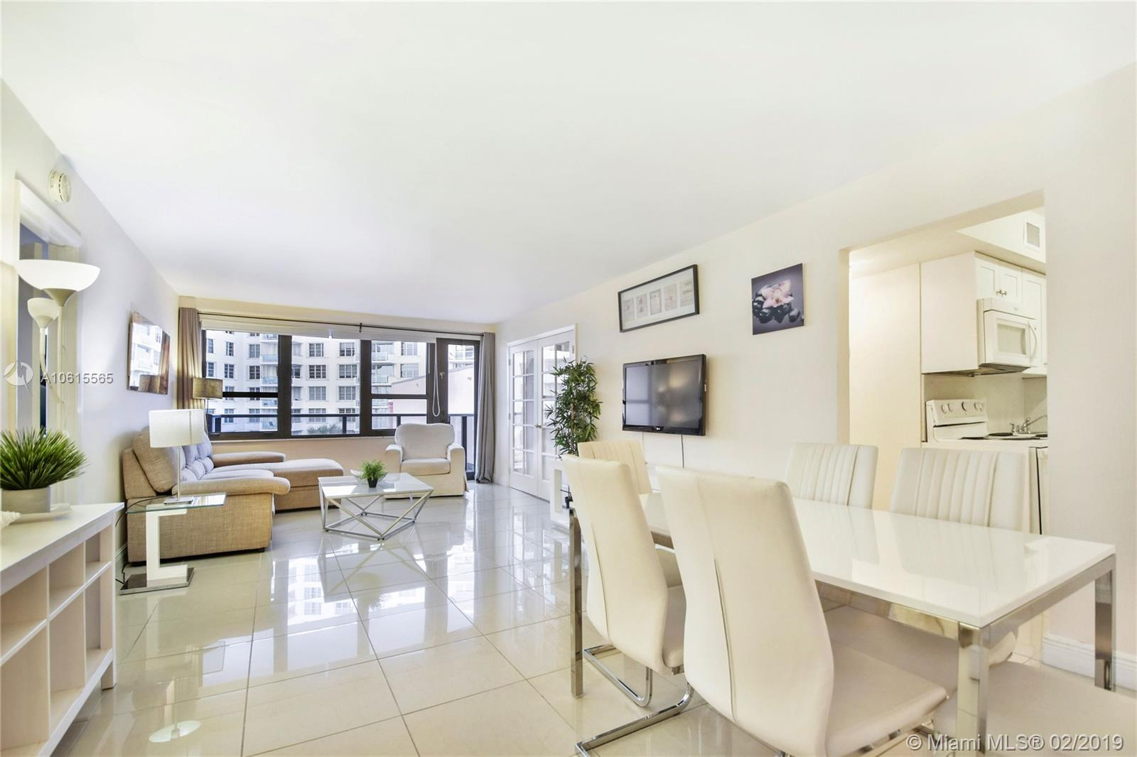 5225 Collins Ave #411 photo01