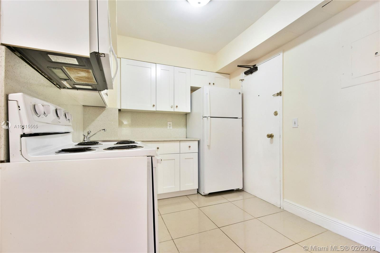 5225 Collins Ave #411 photo011