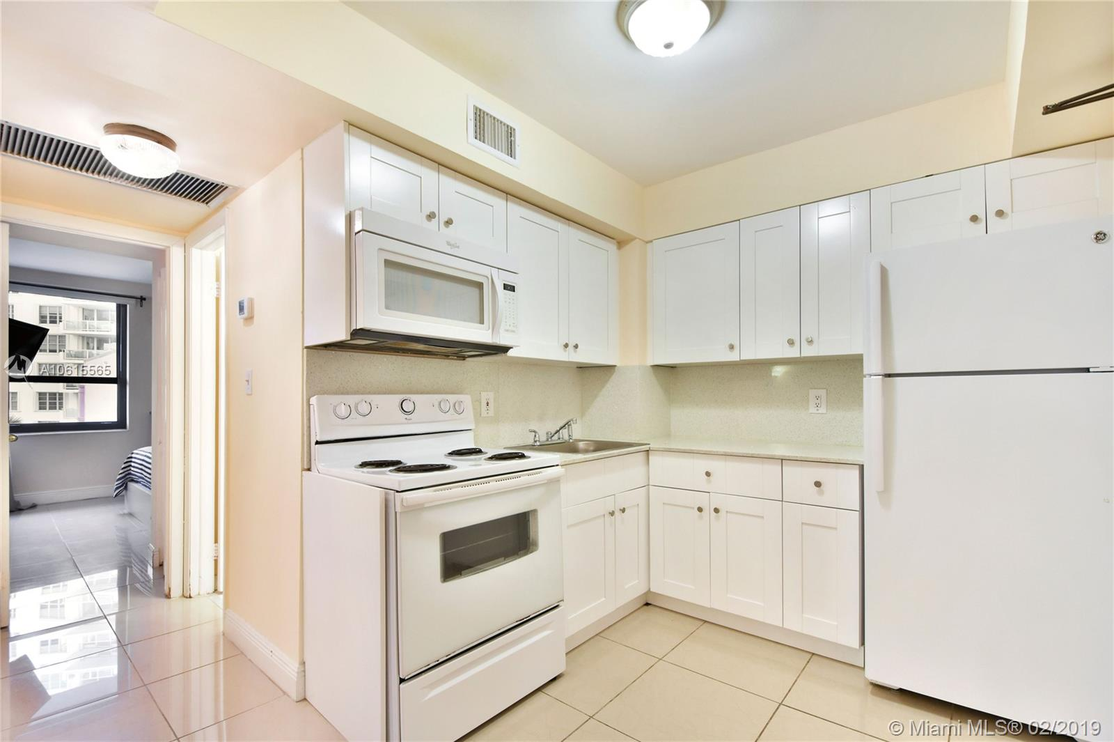 5225 Collins Ave #411 photo012